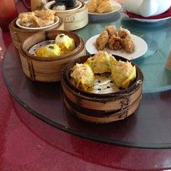 Photo taken at Wong Kok Restaurant @ Penampang by Marjorie T. on 6/27/2013