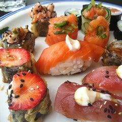 Photo taken at Matsu Japanese Food | 松 by Thalita M. on 6/22/2013