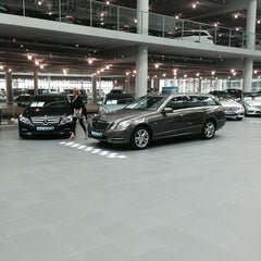 Photo taken at Mercedes-Benz Niederlassung München by Mehmet A. on 5/24/2014