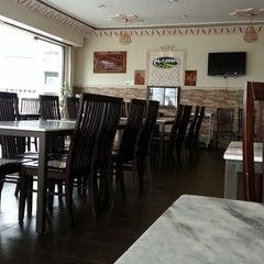Photo taken at Ar-Rayan Arab Restaurant by Muhammad HanevE on 11/20/2013