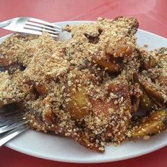 Photo taken at Gou Lou Mamak & Western Food (高佬妈妈档) by Yan X. on 7/9/2015