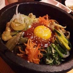 Photo taken at 람람 Lum Lum Korean Restaurant อาหารเกาหลี ล้ำลำ by Venti Wee on 9/16/2013
