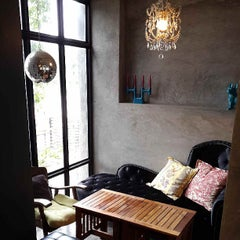 Photo taken at Parabola (พาราโบลา) by Venti Wee on 6/11/2013