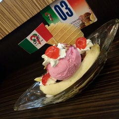 Photo taken at City Ice Cream Medan Plaza by Puspa Y. on 3/27/2015