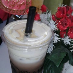 Photo taken at Bumble Tea by Jopay C. on 2/16/2013