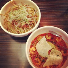 Photo taken at Bellini Pasta Pasta by Chieh H. on 2/8/2013