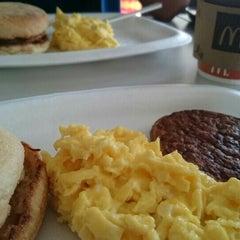 Photo taken at McDonald's by Kukaka on 11/27/2015