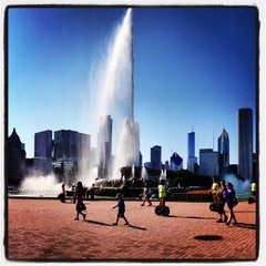 Photo taken at Clarence Buckingham Memorial Fountain by Adrian U. on 7/20/2013
