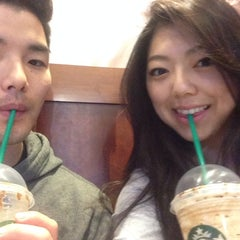 Photo taken at Starbucks by Sulki L. on 5/23/2014