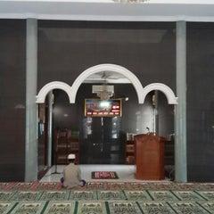 Photo taken at Masjid Al Muhajirin PCI Blok B by YDwi M. on 5/8/2014