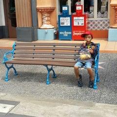 Photo taken at Hollywood Boulevard by Ika Puspa on 6/10/2014