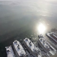 Photo taken at The Westin Harbour Castle by Corneliux on 1/26/2013