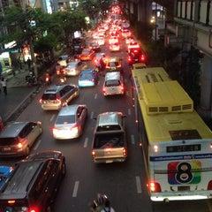 Photo taken at ถนนสุขุมวิท (Sukhumvit Road) by Gigky J. on 9/29/2015