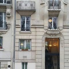 Photo taken at Hôtel Auteuil Tour Eiffel by Rochelle C. on 3/14/2015