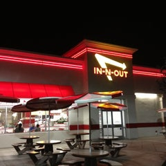 Photo taken at In-N-Out Burger by Matt I. on 10/2/2012