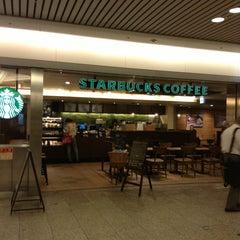 Photo taken at Starbucks Coffee クリスタ長堀店 by kamo_yan on 7/2/2013