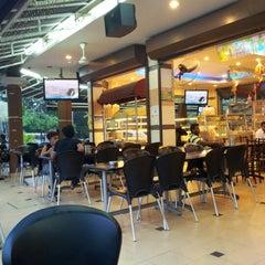 Photo taken at Restoran Al-Ali Bistro by Neysa V. on 12/10/2012