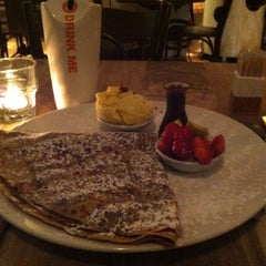 Photo taken at Max Brenner by Amir H. on 2/27/2013