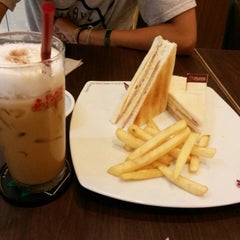 Photo taken at Black Canyon (แบล็คแคนยอน) by I'am S. on 2/22/2015