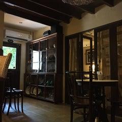 Photo taken at กาแฟฮูย่า (Coffee HooYa) by Pookky N. on 10/22/2015