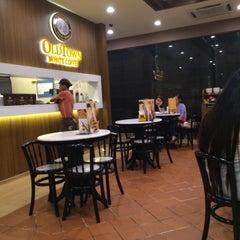 Photo taken at OldTown White Coffee by Arifa N. on 3/26/2015
