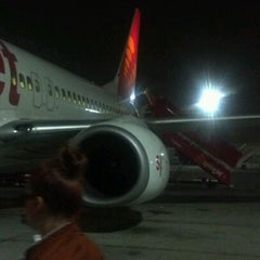 Photo taken at FlySpicejet@SG 851 BOM - DEL by Uditvanu D. on 4/1/2012