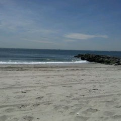 Photo taken at Civic Beach (Point Lookout) by pat b. on 4/17/2012