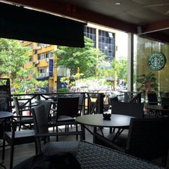 Photo taken at Starbucks by Hakim H. on 5/14/2012
