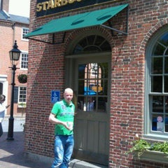 Photo taken at Starbucks by Tobias G. on 5/18/2012