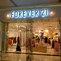 Photo taken at Forever 21 by Serene H. on 8/11/2012