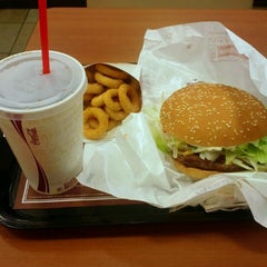 Photo taken at BURGER KING 品川シーサイドフォレスト店 by Masataka S. on 9/7/2012