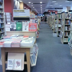 Photo taken at Borders by Anna Bella W. on 2/25/2012