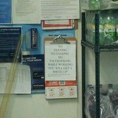 Photo taken at Pizza Hut by Sabrina G. on 6/16/2012