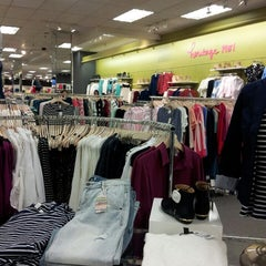 Photo taken at Forever 21 by Stephany M. on 3/3/2013