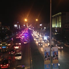 Photo taken at สะพานลอย The Mall by songphon k. on 12/7/2012