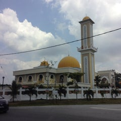 Photo taken at Masjid Sepang by Kenneth W. on 8/31/2014