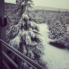 Photo taken at Yapı Kredi Bankacılık Üssü by Hande A. on 12/20/2012