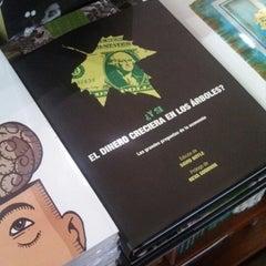 Photo taken at Librería Del Fondo De Cultura Economica by Gerardo B. on 7/29/2014