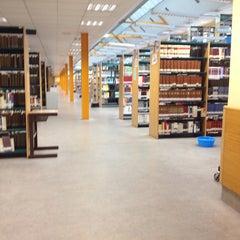 Photo taken at Biblioteca Francisco De Vitoria by Gaby C. on 1/21/2014