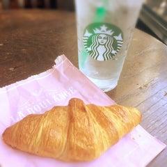 Photo taken at Starbucks by E m m a r i n on 7/30/2014