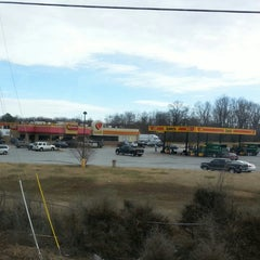 Photo taken at Love's Travel Stop by Hilda H. on 1/18/2014