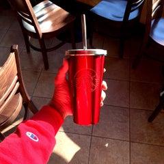 Photo taken at Starbucks (สตาร์บัคส์) by Absolute A. on 11/3/2015