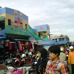 Photo taken at Pasar Anyar by afik s. on 12/31/2012