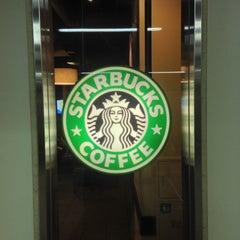 Photo taken at Starbucks Coffee アトレ秋葉原1店 by Takashi K. on 11/26/2012