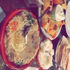 Photo taken at Aladdin Mediterranean Hillcrest by Alanoud on 11/27/2014