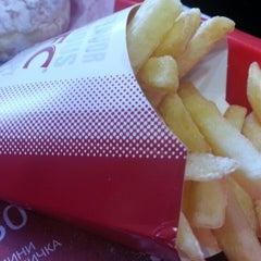 Photo taken at KFC by Мария М. on 11/15/2013