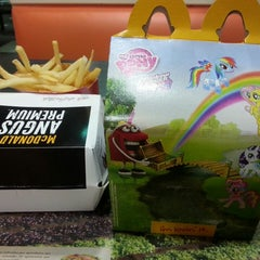Photo taken at Mc Donald's Ejército by Monze O. on 8/22/2014