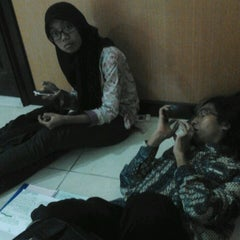 Photo taken at Gedung A FISIP by Farida D. on 4/9/2013