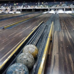 Photo taken at Super Bowling Lanes by Michael Y. on 5/2/2014
