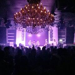 Photo taken at FabriQue & Bar Rouge (แฟบบริค) by Gerben K. on 1/15/2015